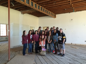 Farina King's History 110 class in the Phoenix Indian School Music Building
